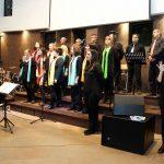 vocalistas con intérprete de lengua de signos