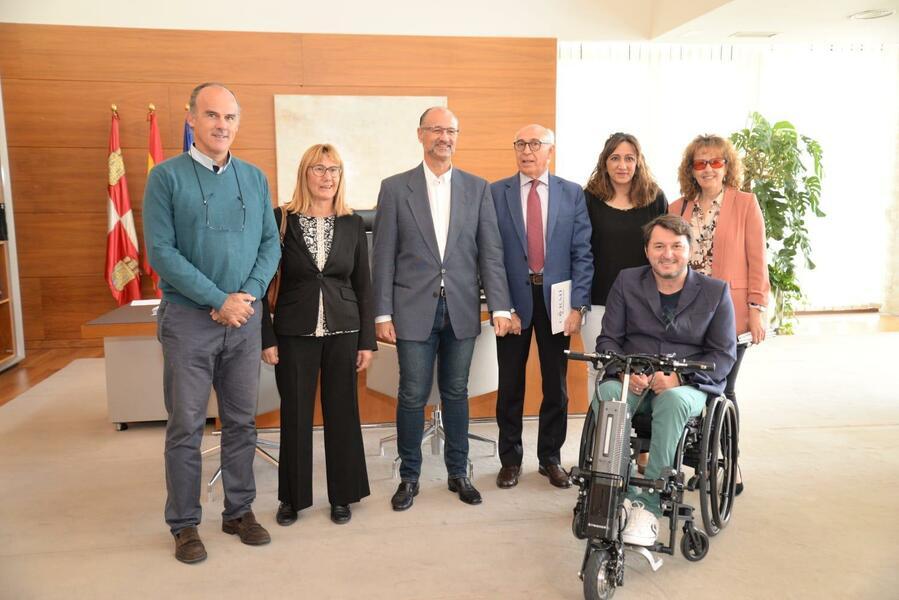 Reunion-CERMI-Castilla-y-Leon-con-las-Cortes-2.jpg